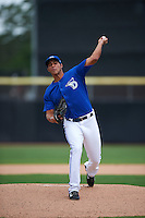 Dunedin Blue Jays pitcher Alonzo Gonzalez (6) delivers a pitch during the second game of a doubleheader against the Palm Beach Cardinals on August 2, 2015 at Florida Auto Exchange Stadium in Dunedin, Florida.  Dunedin defeated Palm Beach 2-0.  (Mike Janes/Four Seam Images)