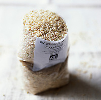 Europe/France/Provence-Alpes-Côte d'Azur/13/Bouches-du-Rhône/Camargue:Riz complet Biologique IGP Indication Géographique Protégée // France, Bouches-du-Rhone, Camargue, organic brown rice, IGP Indication Geographique Protegee (trademark)