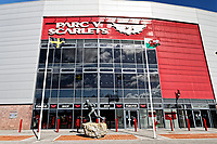 Pictured: The statue of Ray Gravell outside the Parc Y Scarlets. Wednesday 09 March 2018<br /> Re: The effect that the Scarlets RFC has had in the town of Llanelli in Carmarthenshire and the west Wales region.