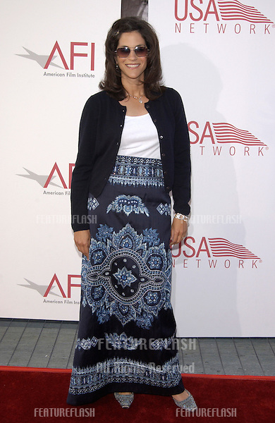 Actress JAMI GERTZ at the 30th Annual American Film Institute Award Gala in Hollywood. .12JUN2002.  © Paul Smith / Featureflash