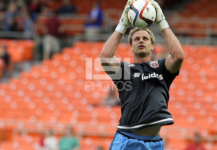 Washington, D.C. - Saturday, April 18, 2015: DC United and the Houston Dynamo played to a 1-1 tie in a MLS match at RFK Stadium..