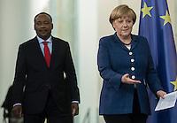 Berlin, 20130508CB032, Bundeskanzlerin Angela Merkel (CDU) und der Staatspräsident der Republik Niger, Mahamadou Issoufou, am Mittwoch (08.05.13) im Bundeskanzleramt in Berlin bei einer Pressebegegnung