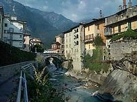 Chiavenna, centro storico attraversato dal fiume Mera.<br /> Chiavenna, old town crossed by the river Mera.