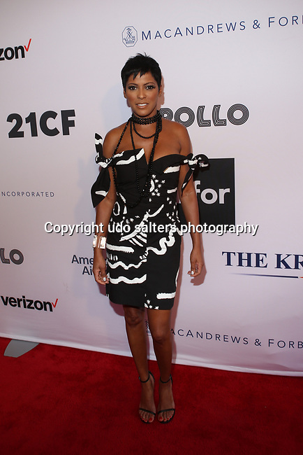 Tamron Hall Wearing a  Isa Arfen Black and White Off The Shoulder Printed Cotton Blend Mini Dress at the APOLLO THEATER  2017 SPRING GALA<br />