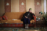 Gullar Kamalova ist eine Dichterin mit meschetischen Wurzeln in Kirgistan und schreibt Gedichte auf Kirgisisch und auf Türkisch. Kamalova war nur ein paar Monate alt, als sie aus Georgien deportiert wurde, zusammen mit ihrer Familie. Ihr Vater kämpfte an der Front des Zweiten Weltkriegs. Ironischerweise war es Glück für die Familie, dass er an der Front verwundet wurde, da er dann vor der deportation nach Hause kam. Die ganze Familie, darunter ihre Geschwister, ihre Eltern und Großeltern wurden nach Usbekistan abgeschoben. Nicht alle Familien hatten dieses Glück, und wurden deportiert, während die Männer der Familie entfernt kämpften im Krieg. /  Gullar Kamalova is a poet of Meskhetian roots in Kyrgyzstan and writes poems in both Kyrgyz and Turkish. Kamalova was only a few months old when she was deported from Georgia together with her family. Her father was away fighting on the frontline of WWII. Ironically, the family was lucky that he was wounded on the frontline, and had returned home before the deportation. All of the family, including her siblings, her parents, and her grandparents were deported to Uzbekistan. Not all families were this lucky, and were deported while the men of the family were away fighting in the war.