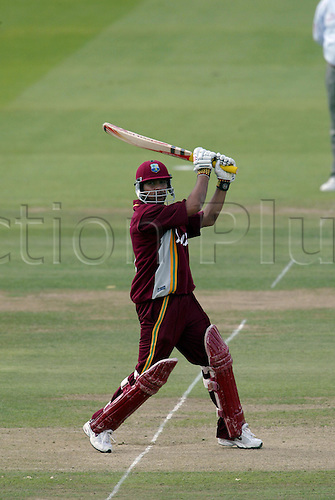 10 July 2004: West Indian batsman Ramnaresh Sarwan batting during the Natwest Series final between the West Indies and New Zealand at Lords. New Zealand won by 107 runs. Photo: Neil Tingle/Actionplus..040710 man men cricket cricketer