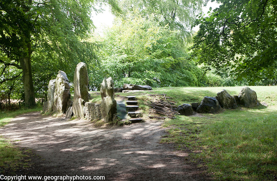 Wayland´s Smithy is an historic Neolithic chambered long barrow on the Ridgeway near Ashbury, Oxfordshire, England, UK