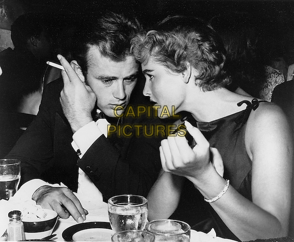 JAMES DEAN & URSULA ANDRESS  .*Filmstill - Editorial Use Only*.CAP/PLF.Supplied by Capital Pictures.