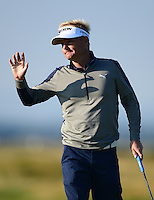 Soren Kjeldsen of Denmark acknowledges the crowd during Round 2 of the 2015 Alfred Dunhill Links Championship at the Old Course, St Andrews, in Fife, Scotland on 2/10/15.<br /> Picture: Richard Martin-Roberts | Golffile