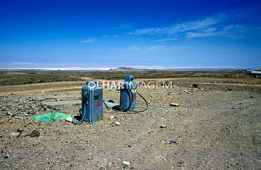 Posto de gasolina no Deserto do Atacama. Chile. 2004. Foto de Thais Falcão.