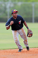 Minnesota Twins shortstop Estarlin De Los Santos #59 during an Instructional League game against the Boston Red Sox at Red Sox Minor League Training Complex in Fort Myers, Florida;  October 3, 2011.  (Mike Janes/Four Seam Images)