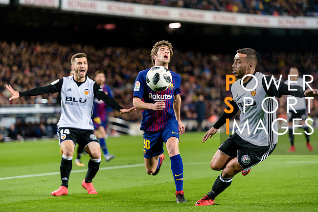 Sergi Roberto Carnicer of FC Barcelona (C) reacts during the Copa Del Rey 2017-18 match between FC Barcelona and Valencia CF at Camp Nou Stadium on 01 February 2018 in Barcelona, Spain. Photo by Vicens Gimenez / Power Sport Images