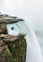 Horshoe Falls waterfall, Niagara Falls, New York, USA.