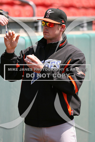 May 9, 2009:  Designated Hitter Matt Wieters of the Norfolk Tides, International League Class-AAA affiliate of the Baltimore Orioles, signs autographs before a game at Coca-Cola Field in Buffalo, FL.  Photo by:  Mike Janes/Four Seam Images