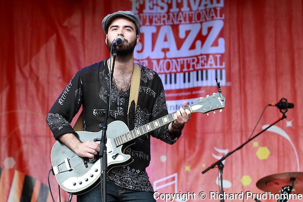 The lead singer of the Conor Gains band from Ontarion performing at the Montreal International Jazz Festival