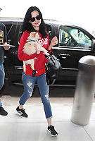 LOS ANGELES, CA - JUNE 04: Krysten Ritter with her dog Mikey Mohawk seen arriving to LAX Airport in Los Angeles, California on June 4, 2018. <br /> CAP/MPI99<br /> &copy;MPI99/Capital Pictures
