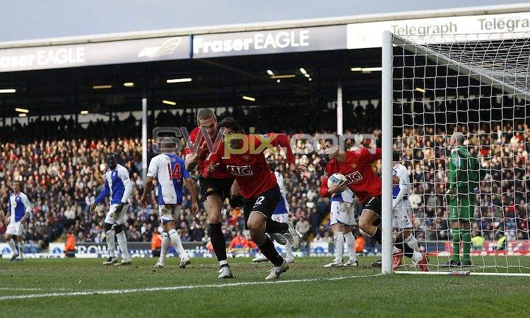 PICTURE BY Ben Duffy/SWPIX.COM -Premier league football, Blackburn v Manchester united.....19/04/08. ..Copyright - Simon Wilkinson - 07811267706 ..Carlos Tevez celebrates scoring