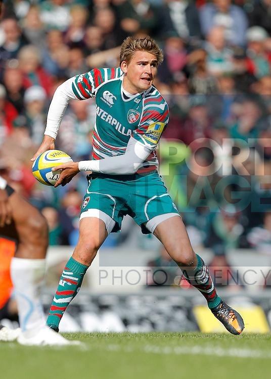 Rugby Union - Leicester Tigers v Exeter Chiefs - Aviva Premiership - Welford Road - Season 12/13 - 29/9/12.Toby Flood of Leicester Tigers.Mandatory credit: Malcolm Couzens/Sportimage