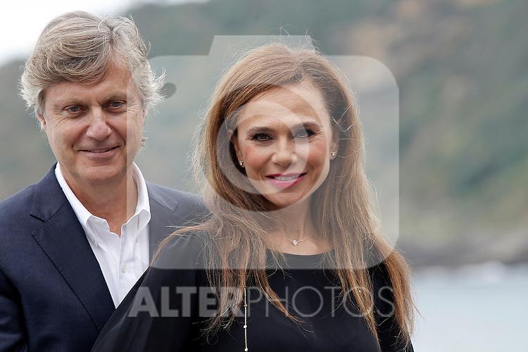 Film director Lasse Hallstrom (l) and actress Lena Olin attend the photocall of 'The Hypnotist/Hypnotisoren' during the 60th San Sebastian Donostia International Film Festival - Zinemaldia.September 28,2012.(ALTERPHOTOS/ALFAQUI/Acero)
