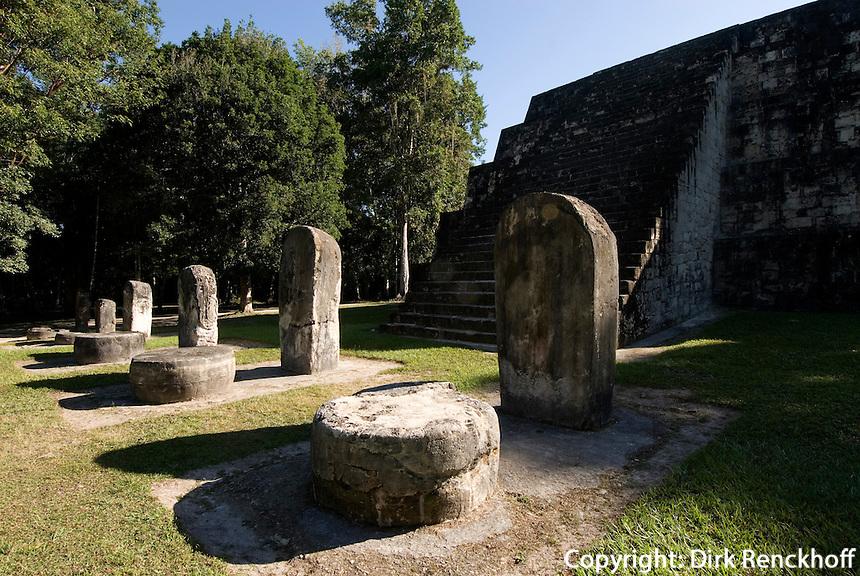 Tikal Nationalpark , Maya Tempel im Komplex Q, Guatemala, Unesco-Weltkulturerbe