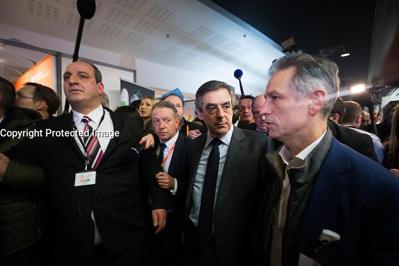 FRANCOIS FILLON VISITE LE SALON DES ENTREPRENEURS, LE 1 FEVRIER 2017 A PARIS.