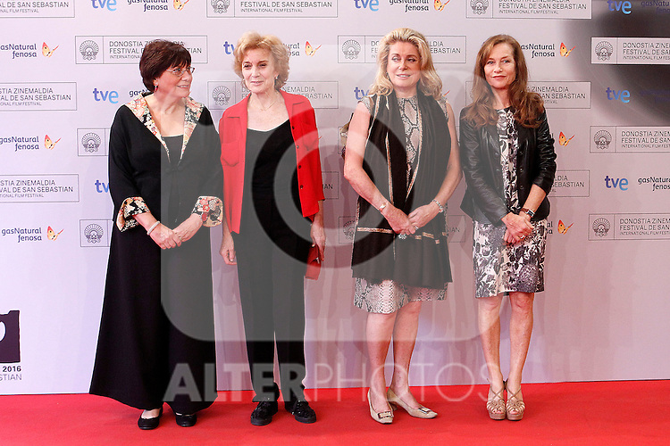 (R-L) French actresses Isabelle Huppert and Catherine Deneuve, Spanish actress Marisa Paredes and Chilean film director Valeria Sarmiento attend the photocall of 'As linhas de Torres' during the 60th San Sebastian Donostia International Film Festival - Zinemaldia.September 23,2012.(ALTERPHOTOS/ALFAQUI/Acero)