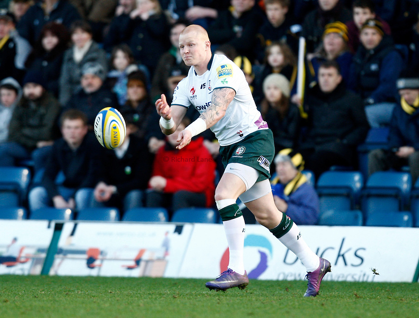 Photo: Richard Lane/Richard Lane Photography. London Wasps v London Irish. 02/03/2012. Irish's Tom Homer passes.