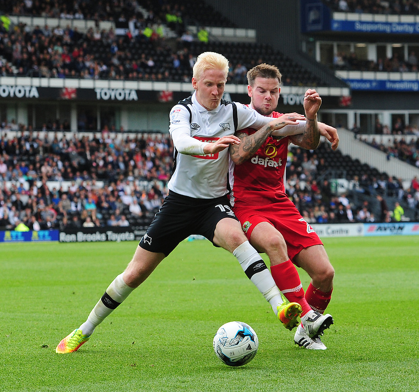 Derby County's Will Hughes shields the ball from Blackburn Rovers' Corry Evans<br /> <br /> Photographer Chris Vaughan/CameraSport<br /> <br /> The EFL Sky Bet Championship - Derby County v Blackburn Rovers  - Saturday 24th September 2016 - iPro Stadium - Derby<br /> <br /> World Copyright &copy; 2016 CameraSport. All rights reserved. 43 Linden Ave. Countesthorpe. Leicester. England. LE8 5PG - Tel: +44 (0) 116 277 4147 - admin@camerasport.com - www.camerasport.com