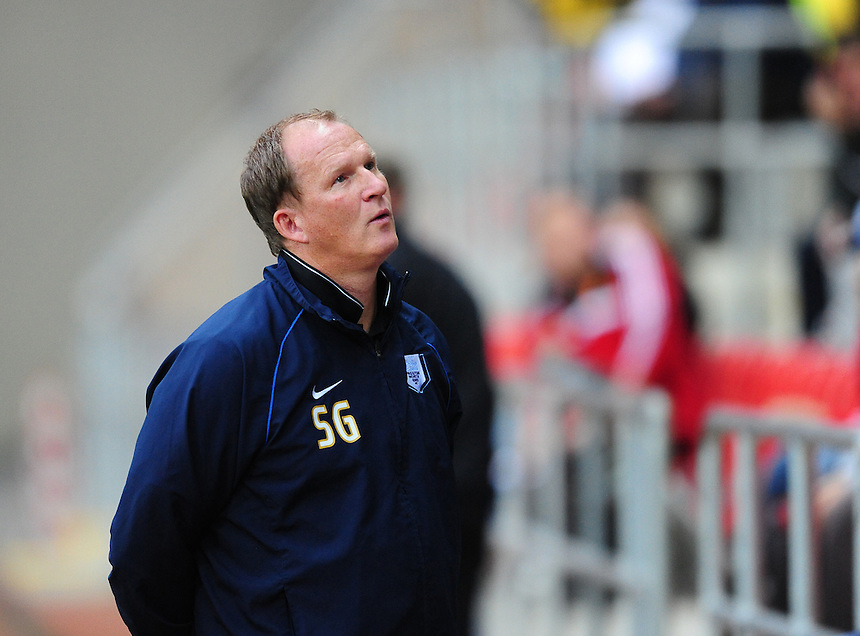 Preston North End manager Simon Grayson <br /> <br /> Photographer Chris Vaughan/CameraSport<br /> <br /> Football - The Football League Sky Bet Championship - Rotherham United v Preston North End - Tuesday 18th August 2015 - New York Stadium - Rotherham<br /> <br /> &copy; CameraSport - 43 Linden Ave. Countesthorpe. Leicester. England. LE8 5PG - Tel: +44 (0) 116 277 4147 - admin@camerasport.com - www.camerasport.com