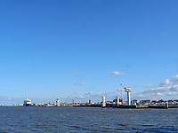 Skyline Cuxhaven, Seebäderschiff Helgoland., Fähre von Cuxhaven nach Helgoland, Niedersachsen, Deutschland, Europa<br /> Skyline Cuxhaven, Tourist steamer Helgoland - ferry Cuxhaven - Helgoland, Cuxhaven, Lower Saxony, Germany, Europe