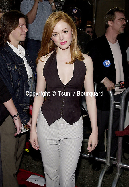 Rose McGowan arriving at the Driven 1ere  at the Chinese Theatre in Los Angeles   4/16/2001   © Tsuni          -            McGowanRose01.jpg
