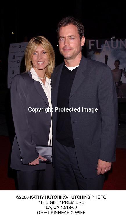 """©2000 KATHY HUTCHINS/HUTCHINS PHOTO.""""THE GIFT"""" PREMIERE.LA, CA 12/18/00.GREG KINNEAR & WIFE"""