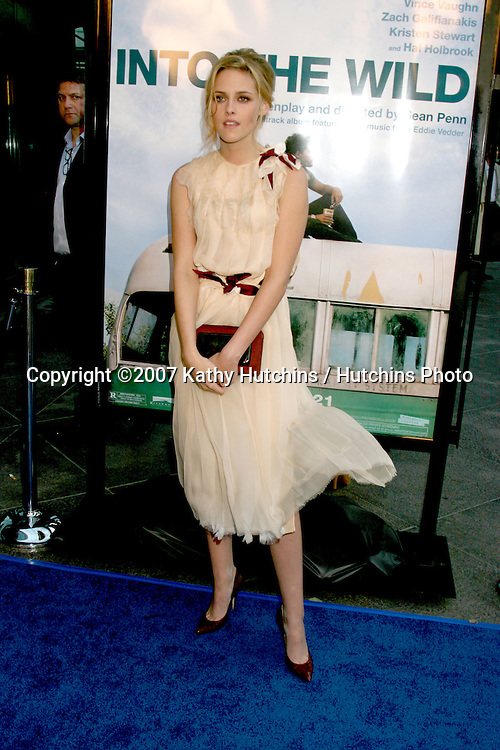 "Kristen Stewart.""Into the Wild"" Los Angeles Premiere.Director's Guild of America .Los Angeles,  CA.September 18, 2007.©2007 Kathy Hutchins / Hutchins Photo...               ."