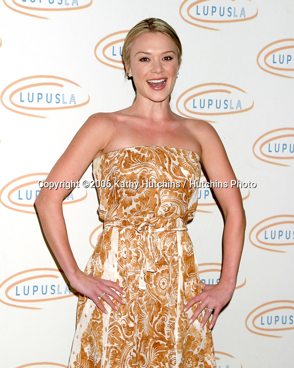 Lauren Woodland.Lupus Bag Luncheon.Beverly Wilshire Hotel. Beverly Hills, CA.October 26, 2006.©2006 Kathy Hutchins / Hutchins Photo....