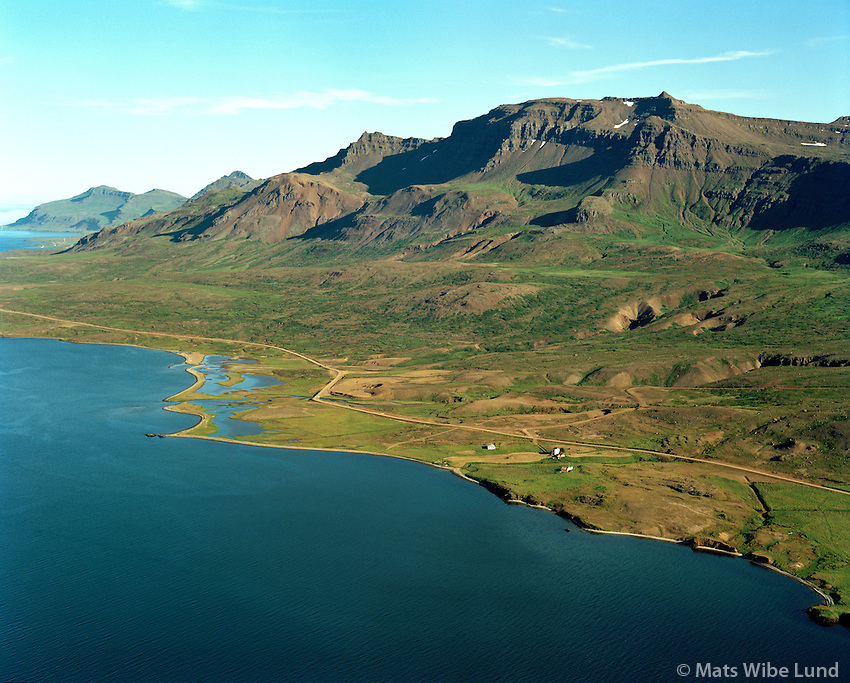 Eyri og Sólvellir séð til suðausturs, Fjarðabyggð áður Reyðarfjarðarhreppur / Eyri and Solvellir viewing southeast, Fjardabyggd former Reydarfjardarhreppur.