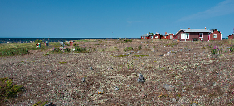 On Västra Norrskär Island where Norrskär Lighthouse is situated, there is an amusing cluster of outhouses huddled together at a distance from their owner's cottages. Perhaps this is due to  the prevailing winds which blow from the southwest.