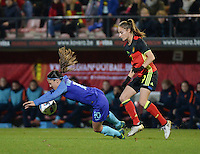 20161124 - LEUVEN ,  BELGIUM : Belgian Tessa Wullaert (R) and Dutch Danielle Van De Donk (L) pictured during the female soccer game between the Belgian Red Flames and The Netherlands , a friendly game before the European Championship in The Netherlands 2017  , Thursday 24 th November 2016 at Stadion Den Dreef  in Leuven , Belgium. PHOTO SPORTPIX.BE | DIRK VUYLSTEKE