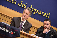 Roma, 2 Marzo 2016<br /> Gianni Tonelli e Matteo Salvini<br /> Conferenza stampa del Segretario del Sindacato Autonomo di Polizia<br /> La conferenza stampa alla Camera di Gianni Tonelli, Segretario del SAP (Sindacato Autonomo di Polizia), da pi&ugrave; di 40 giorni in sciopero della fame per protestare contro i tagli del Governo alle forze dell'ordine, nella foto da sinistra
