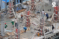 Workers on construction Site (Licence this image exclusively with Getty: http://www.gettyimages.com/detail/83154224 )