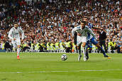 1st October 2017, Santiago Bernabeu, Madrid, Spain; La Liga football, Real Madrid versus Espanyol; Cristiano Ronaldo dos Santos (7) Real Madrid is held back but wins the tussle