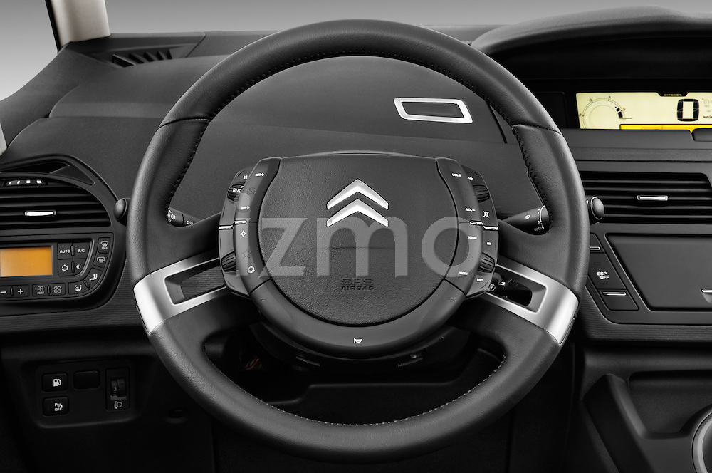 Steering wheel view of a 2006 - 2012 Citroen C4 Picasso Business Mini MPV.