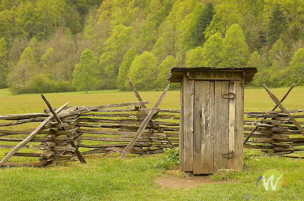 Appomattox National Park.fence and outhouse