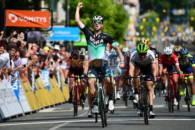 Pascal Ackermann (GER) Bora-Hansgrohe wins Stage 2 of the 2018 Criterium du Dauphine 2018 running 181km from Montbrison to Belleville, France. 5th June 2018.<br /> Picture: ASO/Alex Broadway | Cyclefile<br /> <br /> <br /> All photos usage must carry mandatory copyright credit (© Cyclefile | ASO/Alex Broadway)