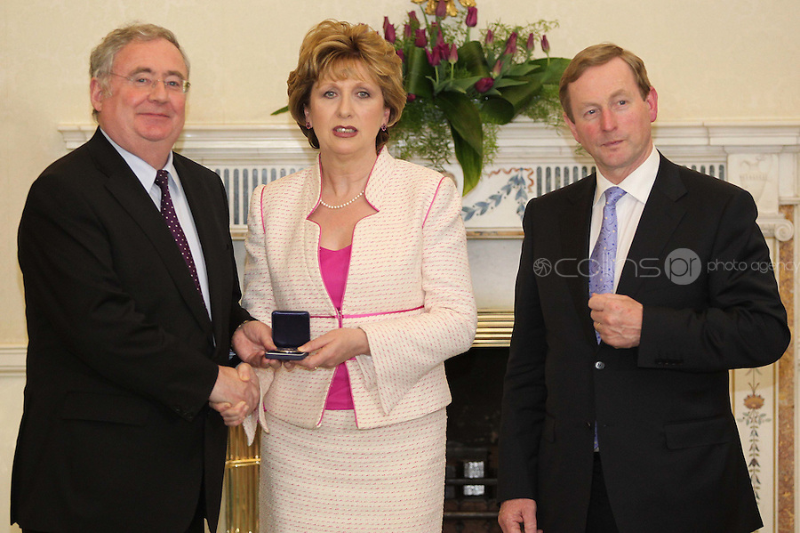 09/03/'11 Minister for Communications, Energy and Natural Resources Pat Rabbitte  receives his seal of office from President McAleese and Taoiseach, Enda Kenny at Aras an Uachtarain this evening...Picture Colin Keegan, Collins, Dublin.