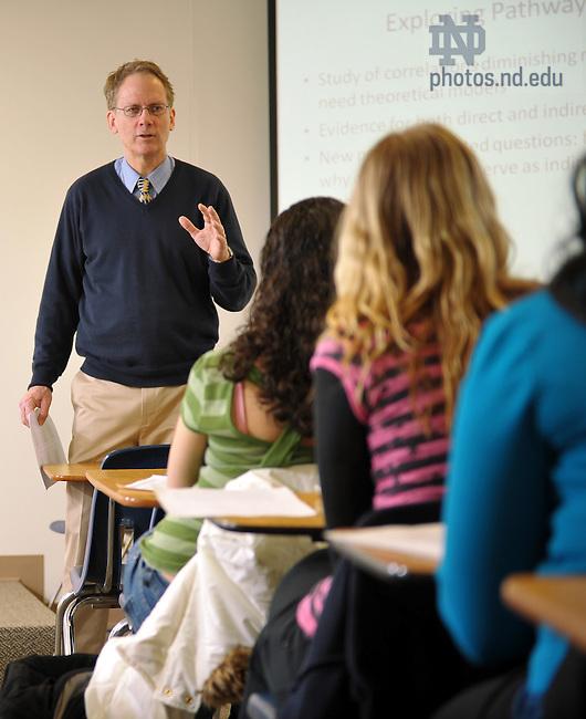 Mark Cummings teaches an Undergraduate class, 2010..Photo by Matt Cashore/University of Notre Dame