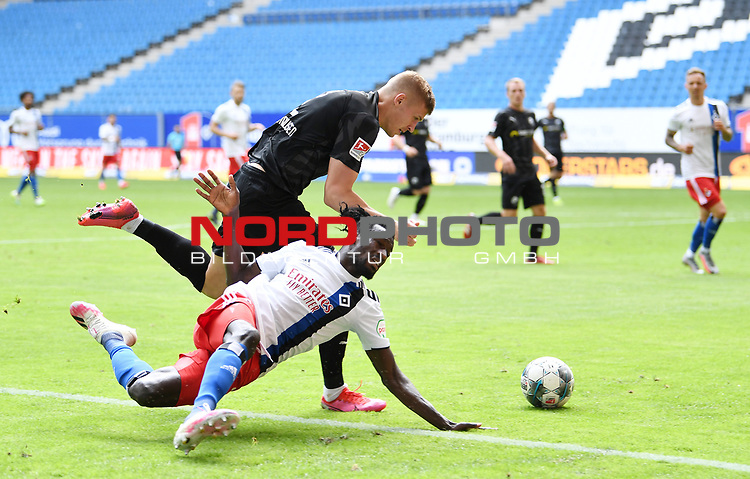 v.l. Aleksandr Zhirov, Bakery Jatta (HSV)<br /> Hamburg, 28.06.2020, Fussball 2. Bundesliga, Hamburger SV - SV Sandhausen<br /> Foto: Tim Groothuis/Witters/Pool//via nordphoto<br />  DFL REGULATIONS PROHIBIT ANY USE OF PHOTOGRAPHS AS IMAGE SEQUENCES AND OR QUASI VIDEO<br /> EDITORIAL USE ONLY<br /> NATIONAL AND INTERNATIONAL NEWS AGENCIES OUT