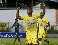 Floridablanca -Colombia,14-05-2017. Jhonny Cano player of Bucaramanga celebrates his goal agaisnt of Equidad.Action game between  Atletico Bucaramanga  and Equidad during match for the date 18 of the Aguila League I 2017 played at Alvaro Gomez stadium . Photo:VizzorImage / Oscar Martinez  / Contribuidor