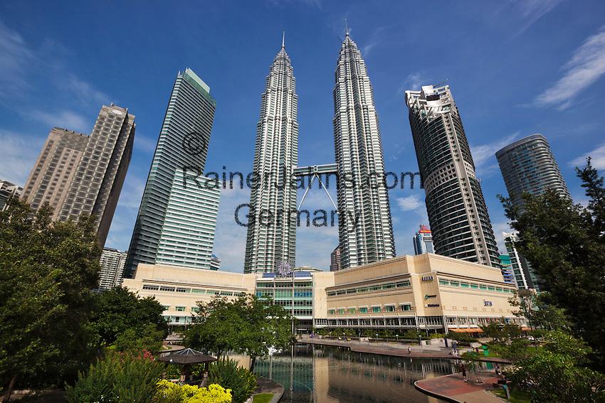 Malaysia, Kuala Lumpur: The Petronas Towers (Petronas Twin Towers) | Malaysia, Kuala Lumpur: The Petronas Towers (Petronas Twin Towers)