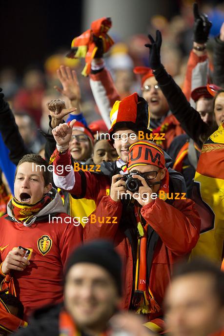 """LE PRINCE PHILIPPE, SON FILS LE PRINCE GABRIEL ET ELIO DI RUPO ASSISTENT AU MATCH DES """" DIABLES ROUGES """" - Le Prince Philippe, son fils le prince Gabriel et le premier ministre Elio Di Rupo assistent au match de football au stade Roi Baudouin à Bruxelles, qui opposait """" Les Diables Rouges """" de l'équipe belge à l'équipe de la Macédoine avec une victoire de 1-0 pour les """" Diables Rouges """"..26/03/2013...."""