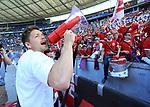 12.05.2018, OLympiastadion, Berlin, GER, 1.FBL, Hertha BSC VS. RB Leipzig, im Bild <br /> Leipziger Spieler bei Ihren Fan<br /> Dominik Kaiser (RB Leipzig #24)<br /> <br />       <br /> Foto &copy; nordphoto / Engler
